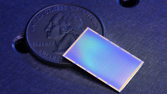Ein 10.000-Pixel-MKID-Array, das vom Mazin-Labor für das DARKNESS-Instrument am Palomar 200-Zoll-Teleskop hergestellt wurde.