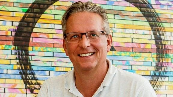 Jan-Peter Jansen, Facharzt für Anästhesie und Intensivmedizin sowie Leiter des Schmerzzentrums Berlin, im Porträt.