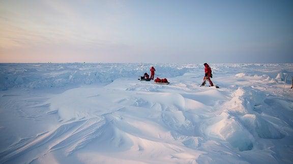 Polarstern - Arbeiten im Eis
