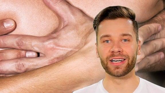 Ein Mann vor einem Bild mit vielen Händen