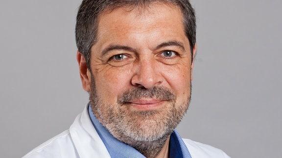 Professor Peter Kraiczy vom Universitätsklinikum Frankfurt