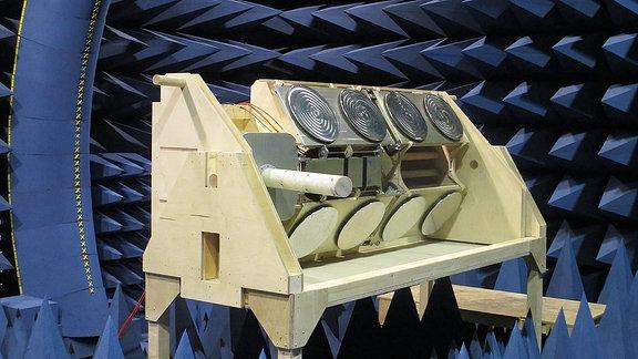 Test der ICARUS-Antennenanlage.
