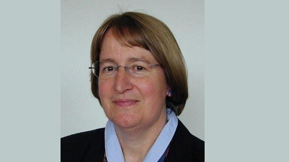Dr. Regine Szewzyk