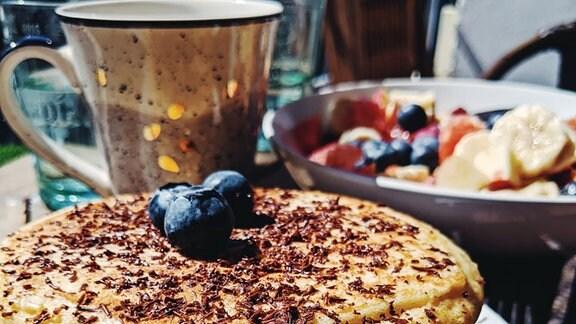 Ein gedeckter Frühstückstisch