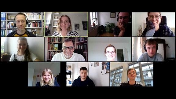 Screenshot: Verschiedene Webcam-Bilder mit verschiedenen Frauen und Männern in einer Videokonferenz