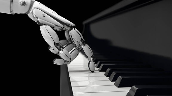 Roboter spielt Klavier