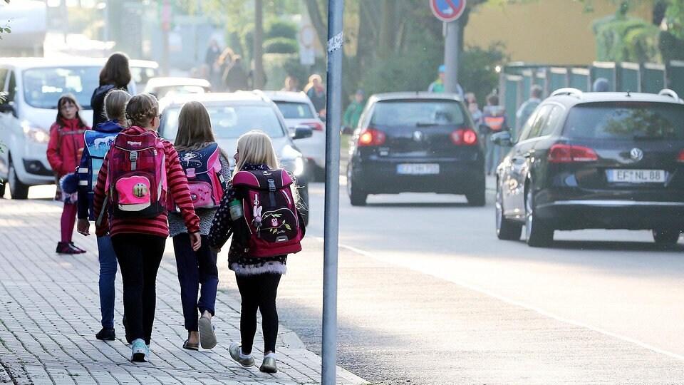 So kommen Kinder sicher zur Schule | MDR.DE