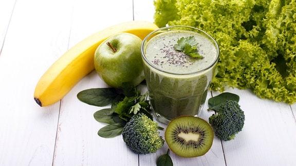 Zutaten für einen grünen Smoothie