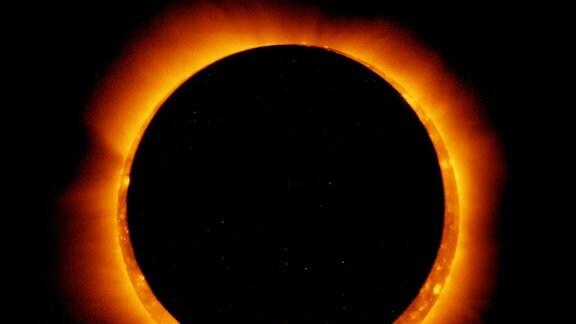 Eine ringfürmige Sonnenfinsternis