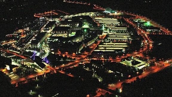 Eine Stadt bei Nacht