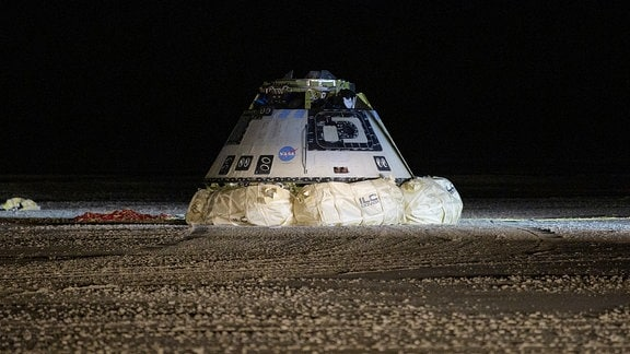 Raumschiff Starliner nach Landung in White Sands New Mexico