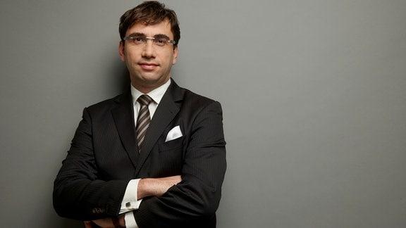 Sven Gábor Jánszky, Gründer und Geschäftsführer des 2b AHEAD ThinkTanks, im Portrait.