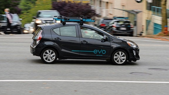 Ein Toyota Prius Hybrid des Evo Car Share Service, Vancouver