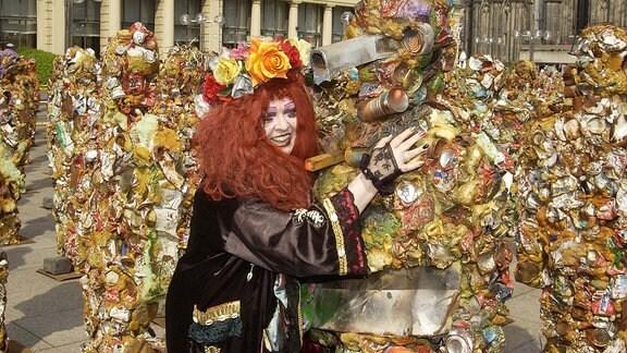 Trashpeople - Müllmenschen von Kölner Künstler.