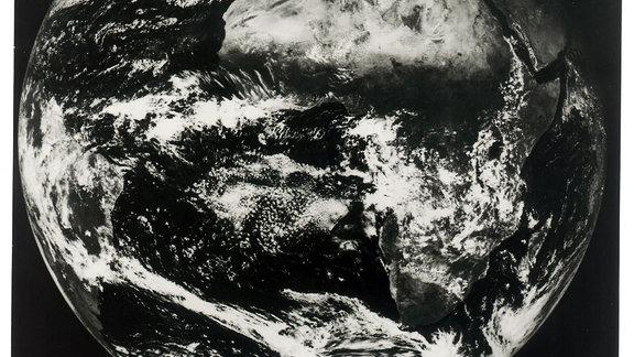 Am 9.12.1977 sendete Meteosat 1 sein erstes Bild.