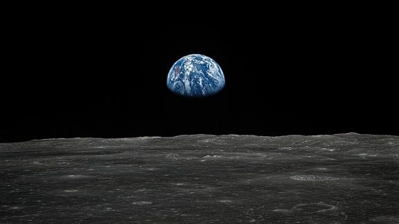 Aufgehende Erde vor der Landung aus dem Mondorbit der Apollo 11-Mission, 1969