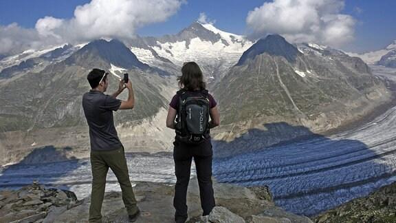 Gletscher in den Berner Alpen im Kanton Wallis