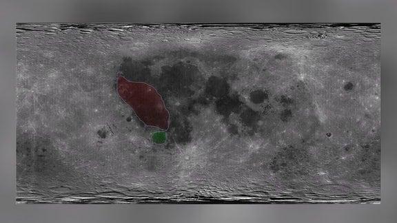 """In dieser Karte vom Mond sind die Gebiete """"Oceanus Procellarum"""" rot und """"Mare Humorum"""" grrün eingekreist."""
