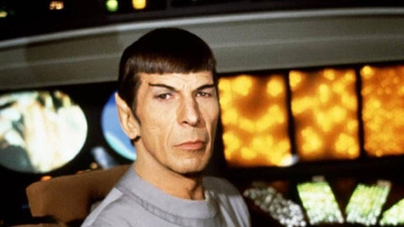 Leonard Nimoy (Lieutenant Spock)