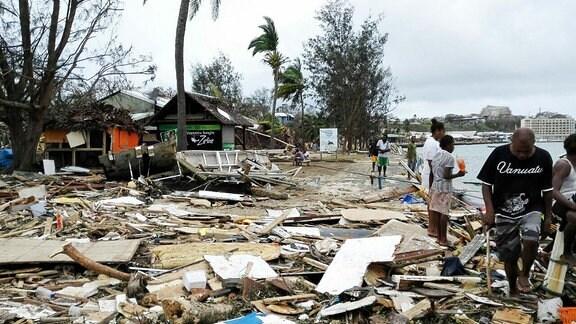 Verwüstungen auf der Insel Vanuatu nach einem Tropensturm, 2015.