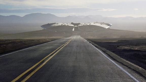 """Der Weltraumflughafen """"Spaceport America"""" von Virgin Galactic wirkt wie ein Raumschiff in der Wüste von new Mexiko."""