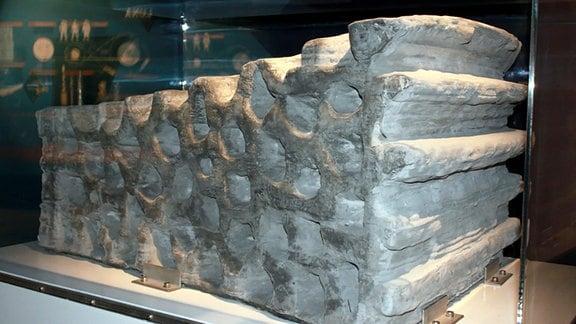 Dieser 1,5 Tonnen schwere Block wurde als Beispiel für 3D-Druck-Technik aus Mondstaub hergestellt.