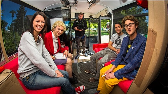 Christina Stürmer bei Zärtlichkeiten im Bus