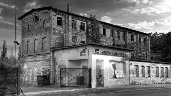 Das Foto wurde am 26.07.2009 aufgenommen. Es zeigt einen Teil der ehemaligen Maschinenfabrik und Eisengießerei Wegelin & Hübner in Halle