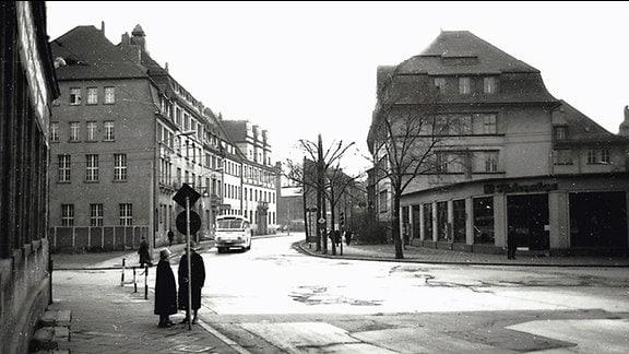 Der heutige Juri-Gagarin-Ring Ecke Trommsdorffstraße in Erfurt, Aufnahme etwa 1960