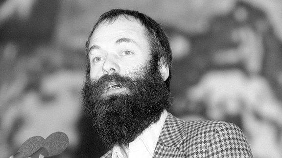 Markus Meckel auf dem Programm-Parteitag der SPD vom 18. bis 20. Dezember 1989 im ICC Berlin.