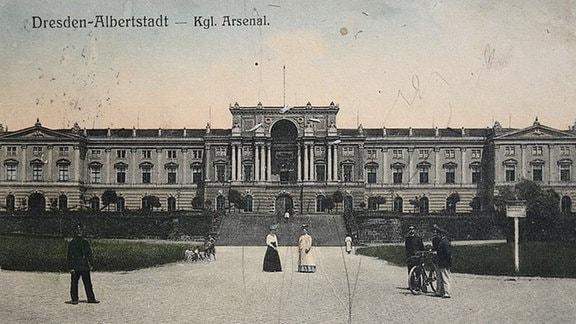 Historische Aufnahme des Hauptgebäudes der Kaserne