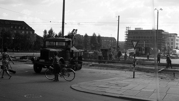 Gleisbauarbeiten am Dresdner Hauptbahnhof, Anfang der 60er Jahre