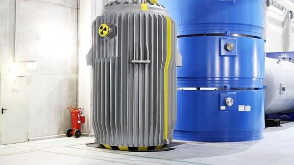 Blick auf au einen sogenannten DDR Castor im atomaren Zwischenlager der Energiewerke Nord GmbH in Lubmin (Landkreis Vorpommern Greifswald).
