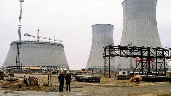 Bauarbeiten am Kernkraftwerk Stendal in Niedergörne, 1990.