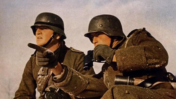 """Wehrmacht-Soldaten in Winter-Uniform während des Unternehmens """"Barbarossa"""" in der Sowjetunion 1941"""