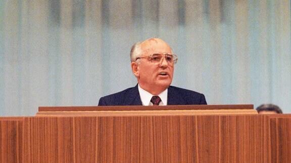 UdSSR-Präsident Michael Gorbatschow auf dem 5. Kongress der Volksdeputierten September 1991