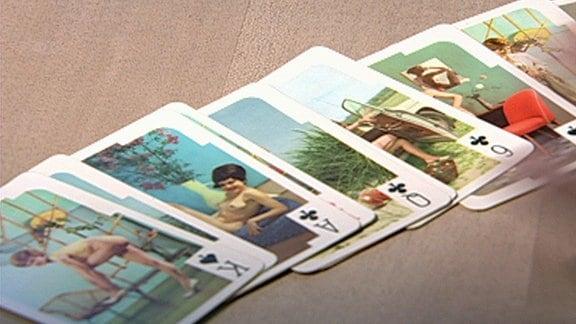 Kartenspiel-Karten mit halbnackten Frauen