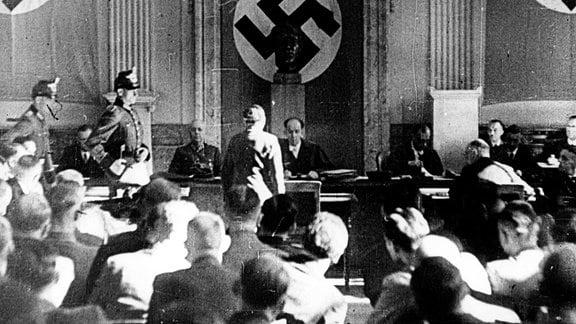 Roland Freisler, 1944