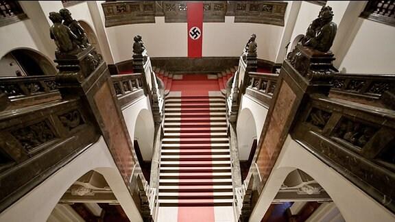 """Dreharbeiten zur MDR Historik-Serie """"Die Geschichte Mitteldeutschlands - Roland Freisler"""" am 04.04.2013 im Neuen Rathaus in Leipzig (Sachsen)"""