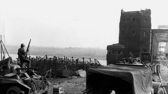 US-Truppen erreichen im März 1945 Rheinbrücke bei Remagen