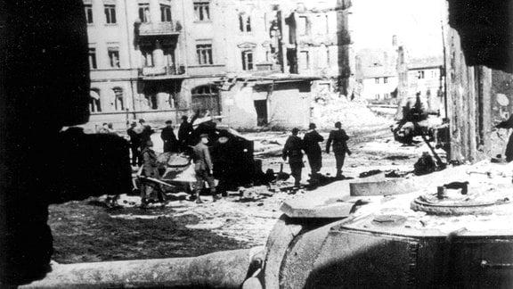 Die Ruinen von Breslau nach der Belagerung durch die rote Armee.