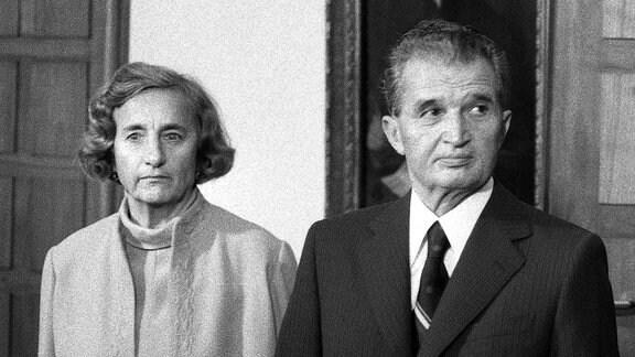 Nicolae Ceausescu mit Ehefrau Elena
