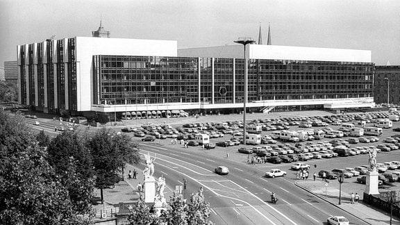Palast der Republik 1990