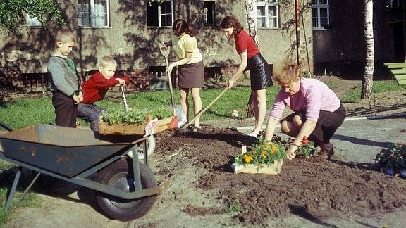 Subotnik - Frühjahrsputz der Hausgemeinschaft