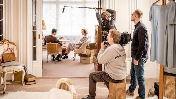 Ein Foto von den laufenden Dreharbeiten zur neuen Staffel der MDR Historik-Serie (Die Geschichte Mitteldeutschlands - Folge Leni Riefenstahl) in Potsdam.