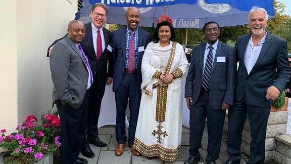 Von links nach rechts Dr. Yared Wondmikun , Thomas Gerkmann, Dr. Bedri Yusuf, Ambassador Mulu Solomon Bezuneh