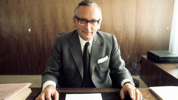 Günter Gaus, 1974