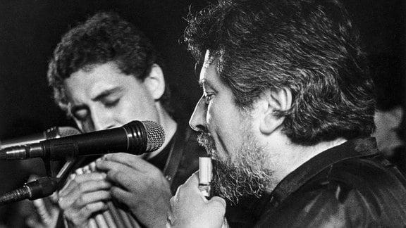 Die chilenische Gruppe Quilapayun, Aufnahme ca. 1975