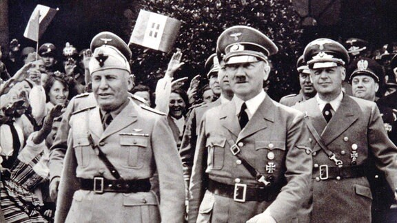 Adolf Hitler und Benito Mussolini 1939 in Berlin