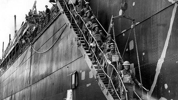Britische Soldaten landen im November 1940 auf Kreta